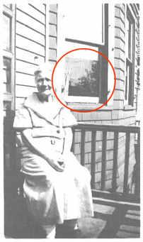 fantasma_ventana_vieja.jpg